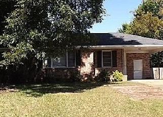 Casa en ejecución hipotecaria in Sumter, SC, 29154,  OAKCREST RD ID: A1666863
