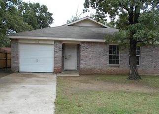 Casa en ejecución hipotecaria in Irving, TX, 75061,  AVALON AVE ID: A1675729