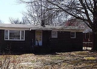 Casa en ejecución hipotecaria in Greenville, SC, 29611,  CRESTMORE DR ID: A1676699