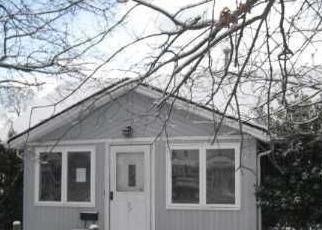 Casa en ejecución hipotecaria in Island Park, NY, 11558,  RADCLIFFE RD ID: F1698769