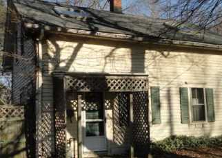 Casa en ejecución hipotecaria in Cranston, RI, 02920,  VERSAILLES ST ID: F2444208