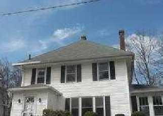 Casa en ejecución hipotecaria in Holyoke, MA, 01040,  KEEFE AVE ID: F2470998