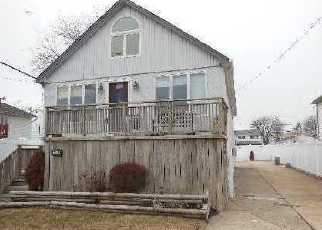 Casa en ejecución hipotecaria in Island Park, NY, 11558,  Delaware Ave ID: F2829828