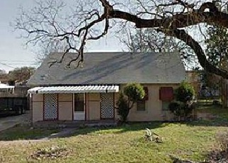 Casa en ejecución hipotecaria in Fort Worth, TX, 76111,  CARNATION AVE ID: F2922739