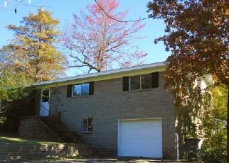 Casa en ejecución hipotecaria in Hot Springs National Park, AR, 71913,  HALLMARK ST ID: F2941659