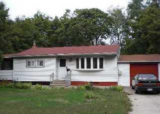 Casa en ejecución hipotecaria in Central Islip, NY, 11722,  E Locust St ID: F3018496