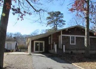Casa en ejecución hipotecaria in Riverhead, NY, 11901,  MIDDLE RD ID: F3121689
