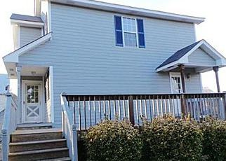Casa en ejecución hipotecaria in Mount Airy, NC, 27030,  MILLS RD ID: F3164763