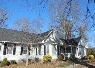 Casa en ejecución hipotecaria in Hendersonville, NC, 28792,  FRUITLAND RD ID: F3164775
