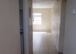 Casa en ejecución hipotecaria in Miami, FL, 33179,  NE 3RD CT ID: F3186491