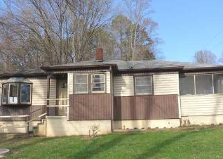Casa en ejecución hipotecaria in Winston Salem, NC, 27105,  BAUX MOUNTAIN RD ID: F3203612