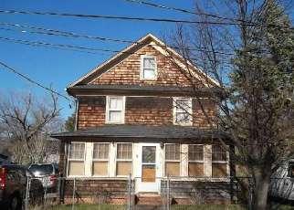 Casa en ejecución hipotecaria in Riverhead, NY, 11901,  EAST AVE ID: F3257137