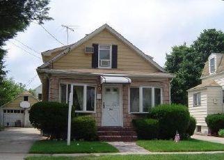Casa en ejecución hipotecaria in Uniondale, NY, 11553,  CLARK PL ID: 6012546