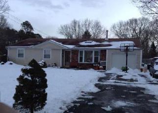 Casa en ejecución hipotecaria in Central Islip, NY, 11722,  PLUM ST ID: 6172219
