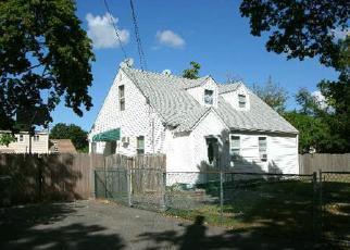 Casa en ejecución hipotecaria in Central Islip, NY, 11722,  OAKDALE AVE ID: 6172235