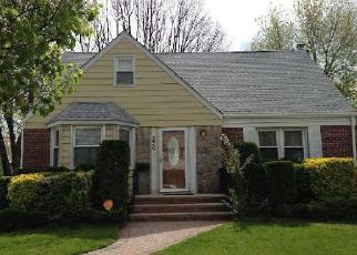 Casa en ejecución hipotecaria in Hempstead, NY, 11550,  BROWN AVE ID: 6190931