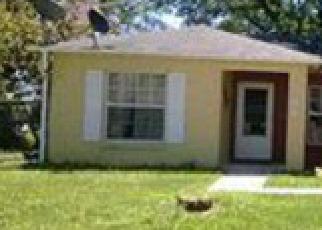 Casa en ejecución hipotecaria in Kissimmee, FL, 34758,  LUCAYA DR ID: 6193714