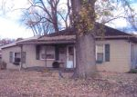 Foreclosed Home en S LAWN AVE, Coshocton, OH - 43812