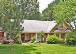 Foreclosed Home en MORNING WOODS DR, Cordova, TN - 38016