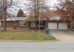 Foreclosed Home en NW WAUKOMIS DR, Kansas City, MO - 64151