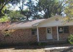 Foreclosed Home en E 2ND ST, Lonoke, AR - 72086