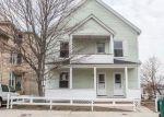 Foreclosed Home en CARRINGTON AVE, Woonsocket, RI - 02895