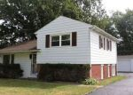 Foreclosed Home en THERESA AVE, Waukegan, IL - 60085
