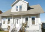 Foreclosed Home en W LAUGHEAD AVE, Upper Chichester, PA - 19061