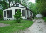 Foreclosed Home en SYLVIA AVE NE, Cedar Rapids, IA - 52402