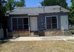 Foreclosed Home en E KREZDORN ST, Seguin, TX - 78155