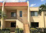 Foreclosed Home en BLATT BLVD, Weston, FL - 33326