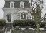 Foreclosed Home en ARMINGTON ST, Cranston, RI - 02905