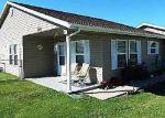 Foreclosed Home en ESTATES DR, Green Forest, AR - 72638