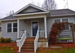 Foreclosed Home in W 9TH ST S, Newton, IA - 50208