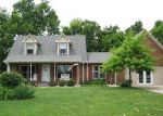 Foreclosed Home en Colchester Dr, Versailles, KY - 40383