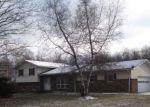 Foreclosed Home en EASTON TPKE, Waymart, PA - 18472