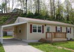 Foreclosed Home en PEACHTREE LN, Kingston, TN - 37763