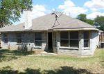 Foreclosed Home en E RIM RD, Dallas, TX - 75211