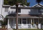Foreclosed Home en CASTLE HILL DR, Tampa, FL - 33624