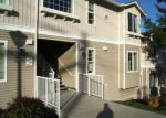 Foreclosed Home en SE 8TH PL, Renton, WA - 98058