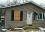 Foreclosed Home en WILDWOOD DR, Round Lake Beach, IL - 60073