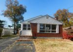 Foreclosed Home en LEWIS ST, Wethersfield, CT - 06109