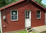 Foreclosed Home en PINE HILL AVE, Johnston, RI - 02919