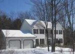 Foreclosed Home en COLONY DR, Hazleton, PA - 18202