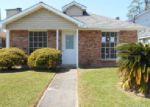 Foreclosed Home en MAX DR, Harvey, LA - 70058