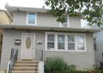 Foreclosed Home en N MOBILE AVE, Chicago, IL - 60639