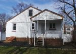 Foreclosed Home en BREYER AVE, Bridgeport, CT - 06606