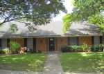 Foreclosed Home en ARBORHILL DR, Dallas, TX - 75243