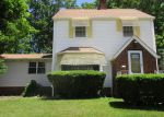 Foreclosed Home en BEVERLY HILLS DR, Euclid, OH - 44117