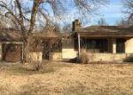 Foreclosed Home en S ROBIN RD, Wichita, KS - 67209